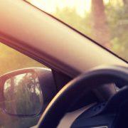 Cómo evitar deslumbramientos con el sol en la conducción